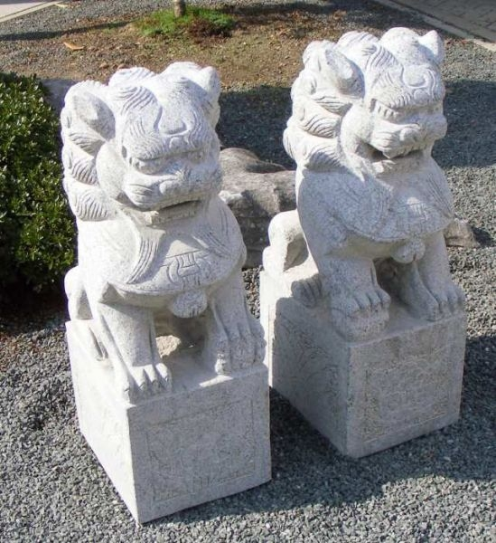Couples de lions en granit - www.bonsai.de